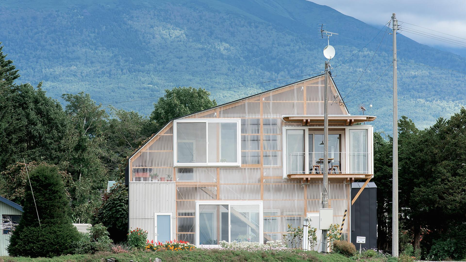 FRAME         | This translucent two-generation home in rural Japan was inspired by greenhouses